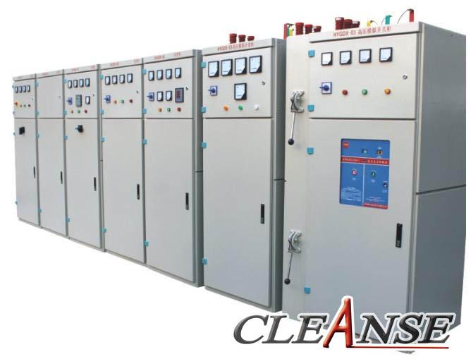 实验室用电主要包括照明电和动力电两大部分,而动力电主要用于各类仪器设备用电,同时还用于为实验室服务的电梯、空调、排风、水泵、送风等方面的电力供应,因此实验室的供电系统是实验室最重要的基本条件之一。 实验室的供电电源,主要取自城市低压工频三相交流公用电力网。当实验室内的总用电设备容量较大时,例如超过100kW以上,而附近的低压公用电力网对承受这一负荷有困难时,则供电电源可取自城市高压三相交流电力网。有些实验室还需要直流电源和中频交流电源等。使用城市低压电力网时,在实验室的供电设计中主要是选定引入电源的进户